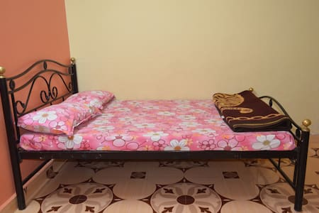 Budget 2 bhk in a Strawberry farm - Apartment