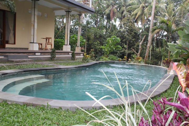 #131#  Cozy Room with Pool View at Junjungan Ubud