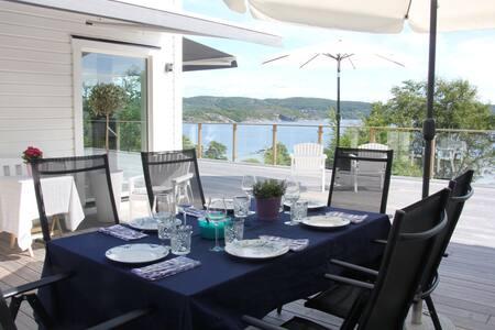 Beautiful house - amazing sea view - Bokenäs - Ev