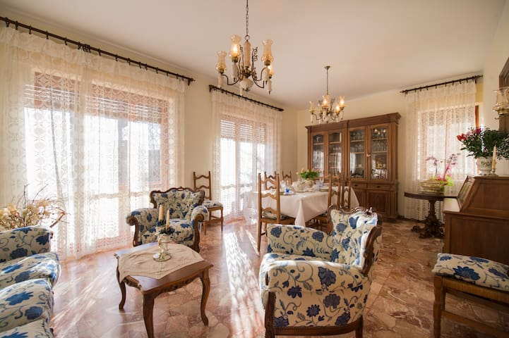 Villa Finella - Character Property - Penne - 別荘