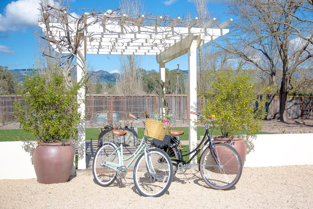 We hope you'll set aside time for a leisurely bike ride around the valley with our European-style classic cruiser bikes. Many area wineries are within easy biking distance from us.