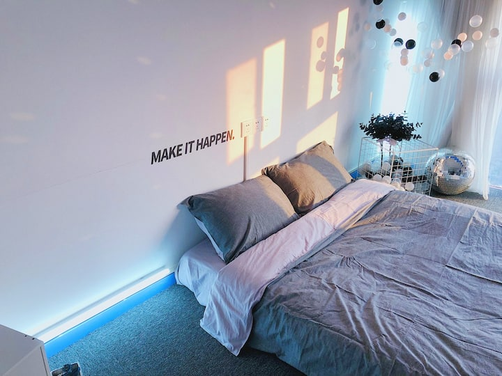 Cozy 3-Bedroom 3-Bath 1 full kitchen Duplex aprtmt