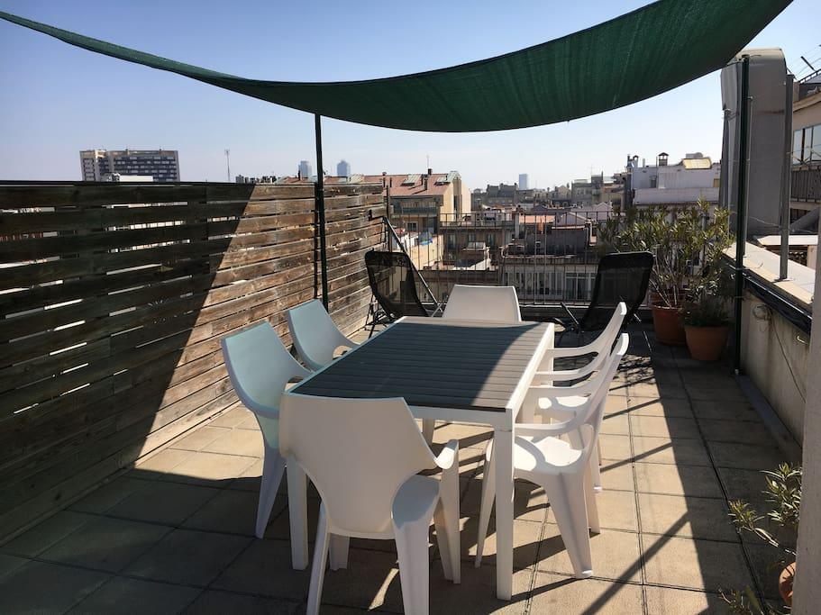 Private terrace :) Sun all day!