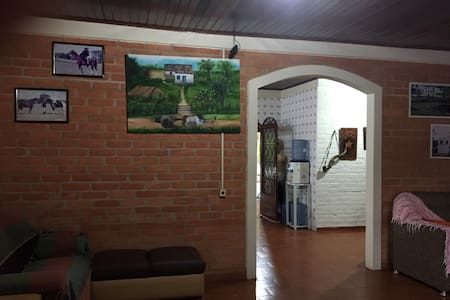 Casa mobiliada com sala cozinha completa