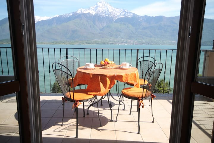 Casa Zen Lake view & private beach - Gera Lario - Leilighet