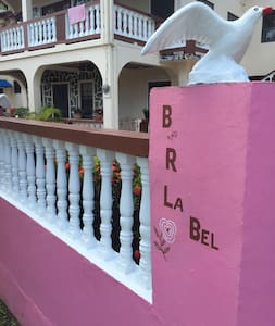 B & R La Bel Guesthouse - Canaries