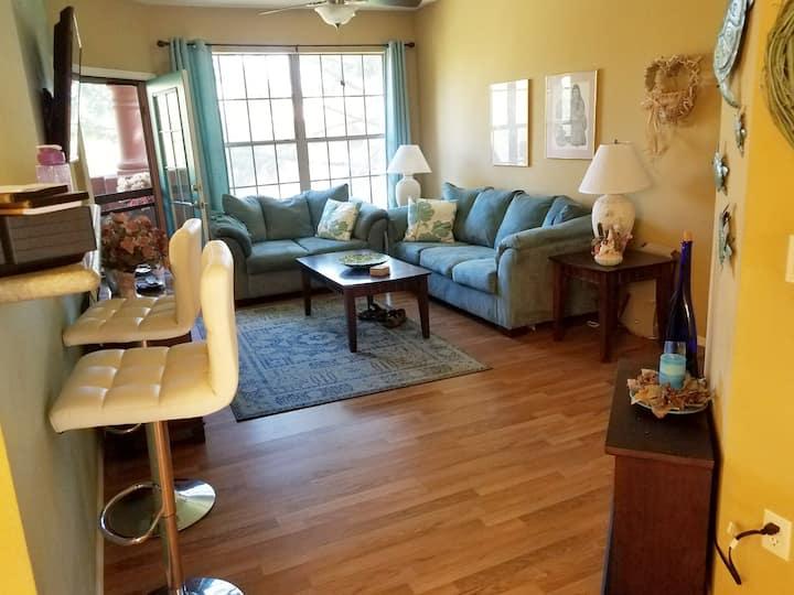 Resort  5 Star Rated Condo in Sun City Grand AZ