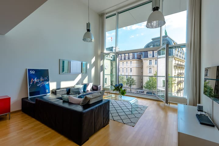 Montreux 2 Bedroom Apartment with Lake Geneva View