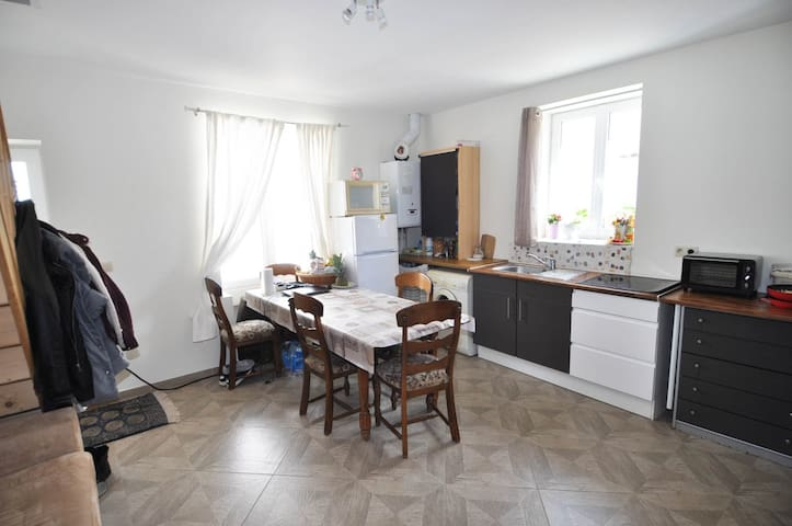 appartement a louer 45€/ 2 chambres