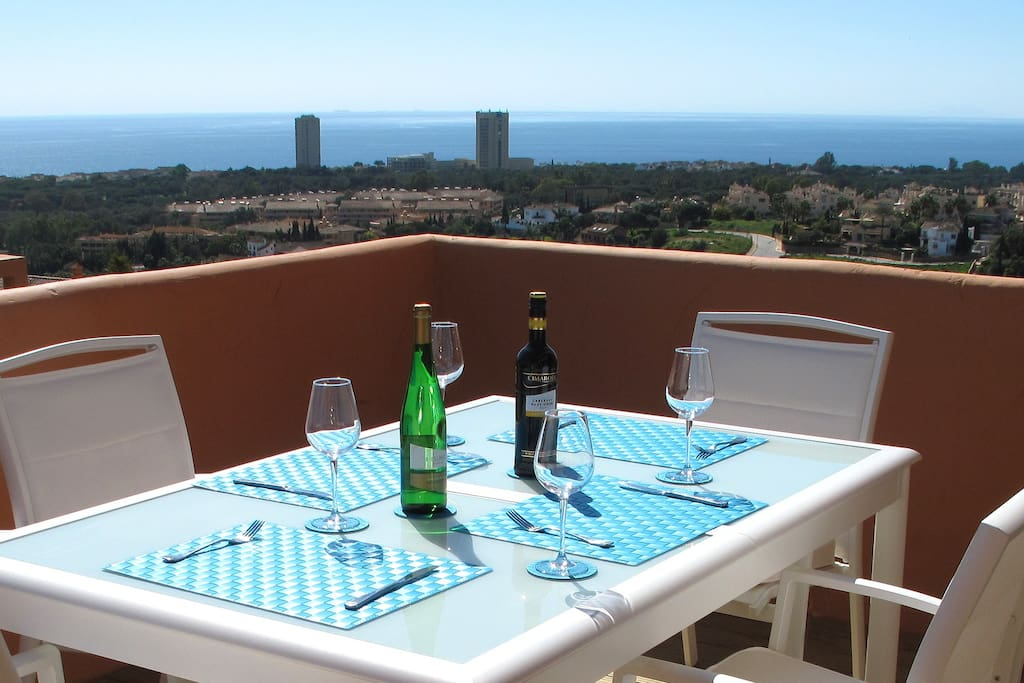 Dine in style with a beautiful panoramic vista