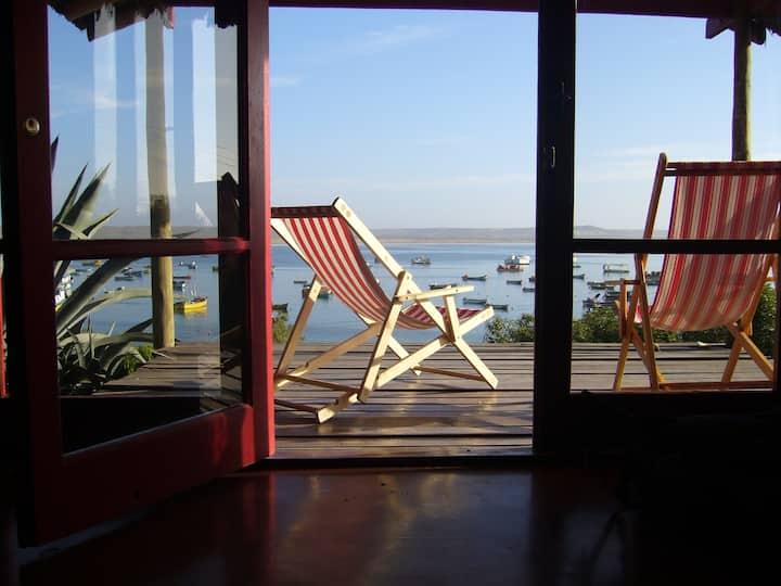 Preciosa casa  con espectacular vista al mar.