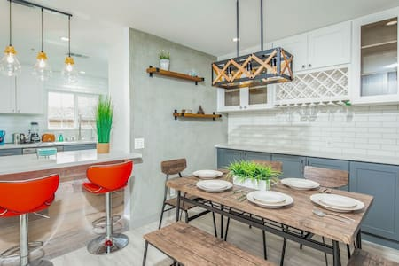 New Modern style townhouse in central San Gabriel