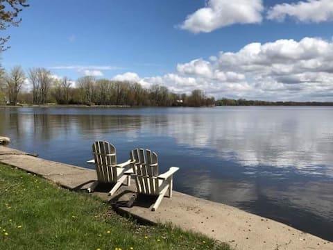 Détente au bord du lac Champlain