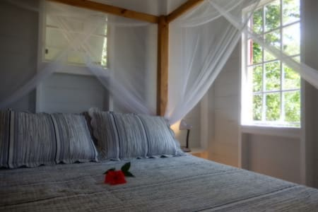 New Stylish ocean-view cottage - Toucari - Chalet