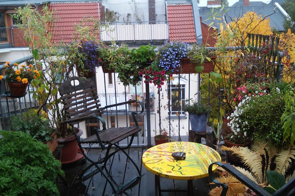 Terrasse nach Osten / Terrace eastside