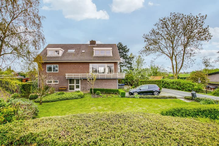 Single room -riverview/quiet/close to Amsterdam