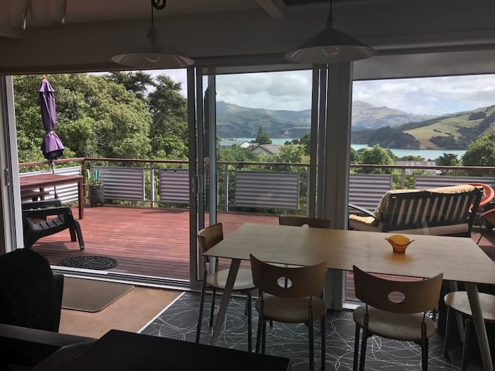 Akaroa Sunshine Views and Spa Pool !!