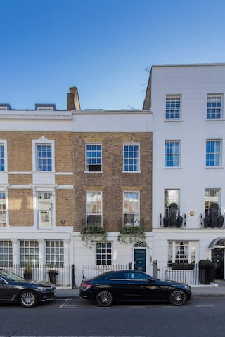 One bedroom flat in the heart of Knightsbridge