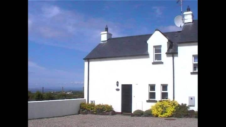 Whiskey Cottage, Giant's Causeway, Bushmills