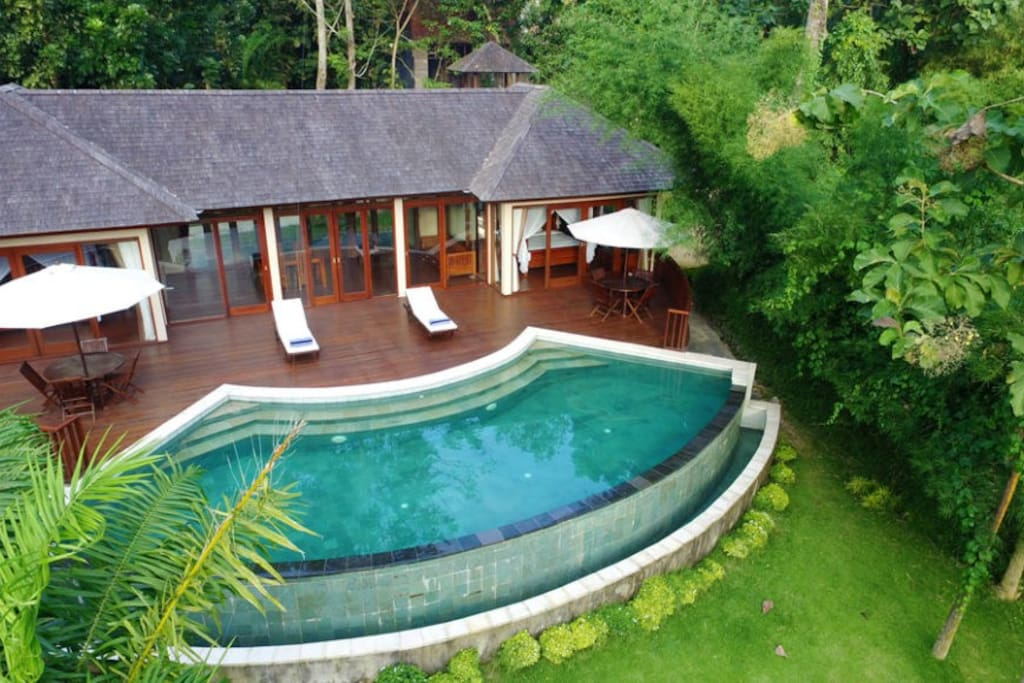 Amazing pool in the villa