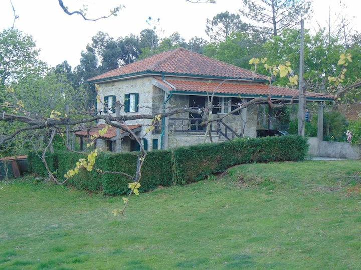 Casa de Granito Charmosa