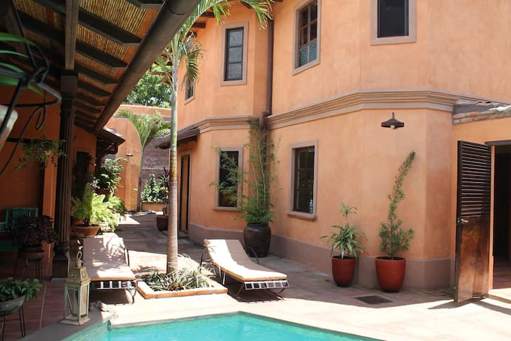 3 Palms Residence, Apartaments 4, Historic center