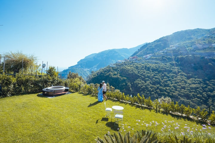 Chez Lia Sea View & garden, 80mt from V.Eva. Ravel