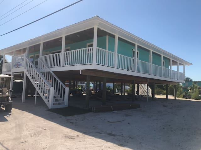 NEW RENTAL: CONCH HEAVEN Four bedroom with Dock