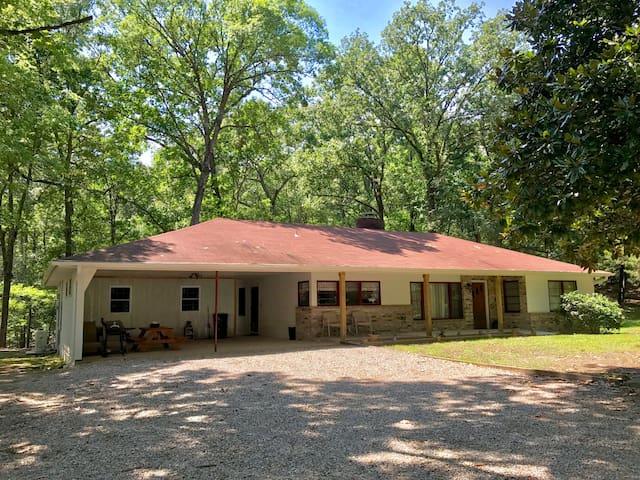 Cedarglade Lodge