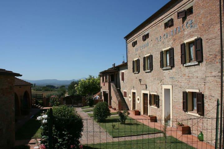 Fattoria Le Chianacce - La Lolla, sleeps 4 guests - Cortona - Huvila