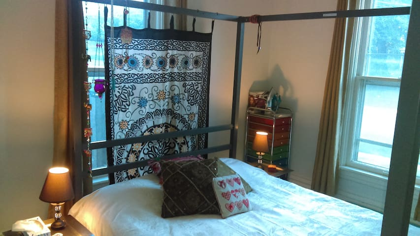 Cosy Eclectic Double Room - Woodstock - Hus