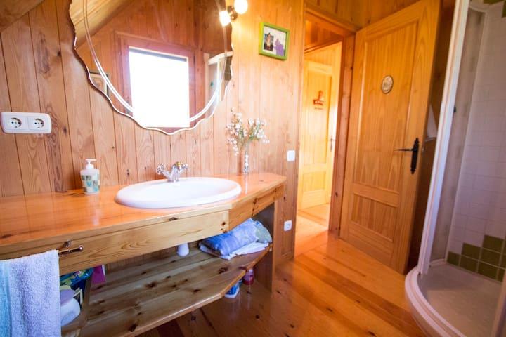 Pleasant villa for 6 in Tordera, Costa Brava, only 5km from the beach! - Costa Brava - Casa de camp