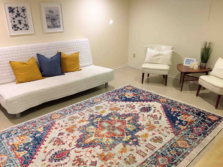Cozy Basement Suite Near Gatineau Park