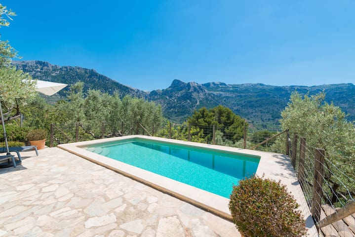 SON BOU - Villa for 3 people in Soller.