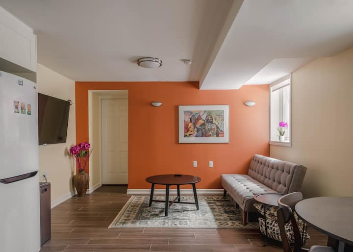 Bright Cozy Lower-Level Suite New Reno 1BR 1BA
