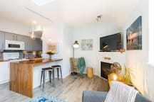 Lovely unit, exactly as pictured. It was the perfect location for a Whistler trip. There were also lots of recommendation for restaurants, trails and activities. Looking forward to coming back here for our future Whistler trips!