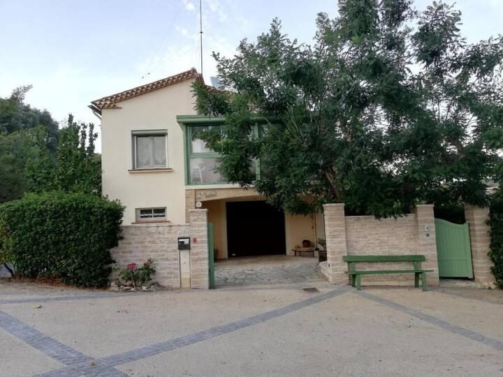 "Villa occitane ""l'Oustal"" 8 personnes"