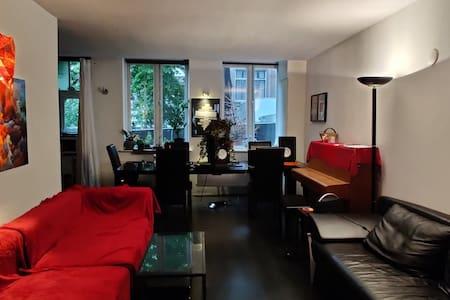 Spacious and Cozy Studio in Westerpark Area