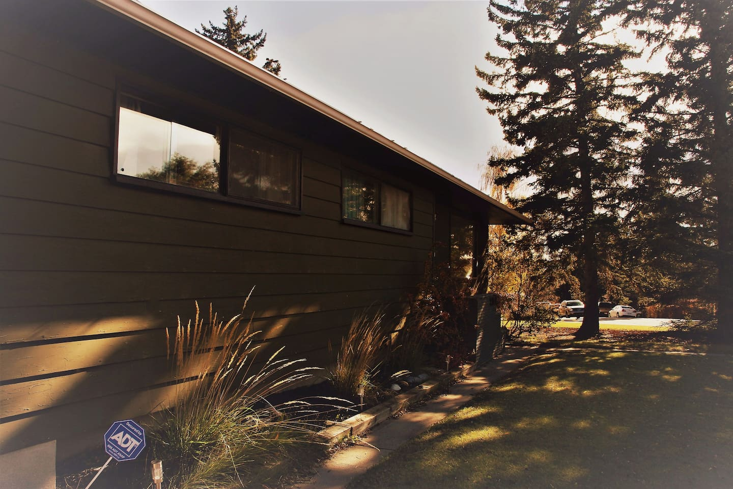 Enjoy the main floor of this clean & cozy bungalow during your visit to Calgary. Includes two bedrooms, a kitchen, a dining room / living area, and a private bathroom. It's your home away from home.