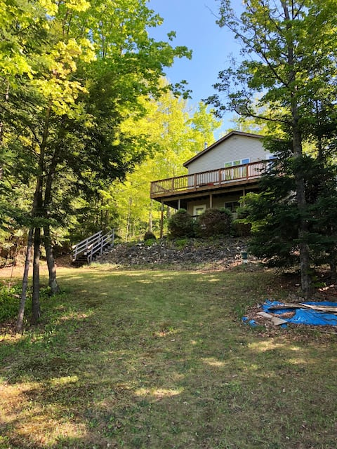 Beautiful lakefront home on ATV/snowmobile trails