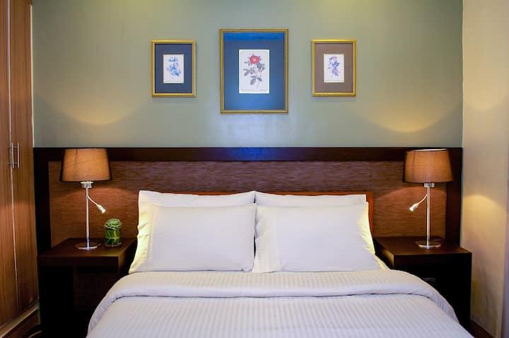 Hotel Room in Baguio Holiday Villas