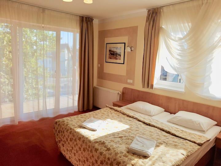 Rezydencja 5 Dębów-pokój 2 osobowy z balkonem/2per