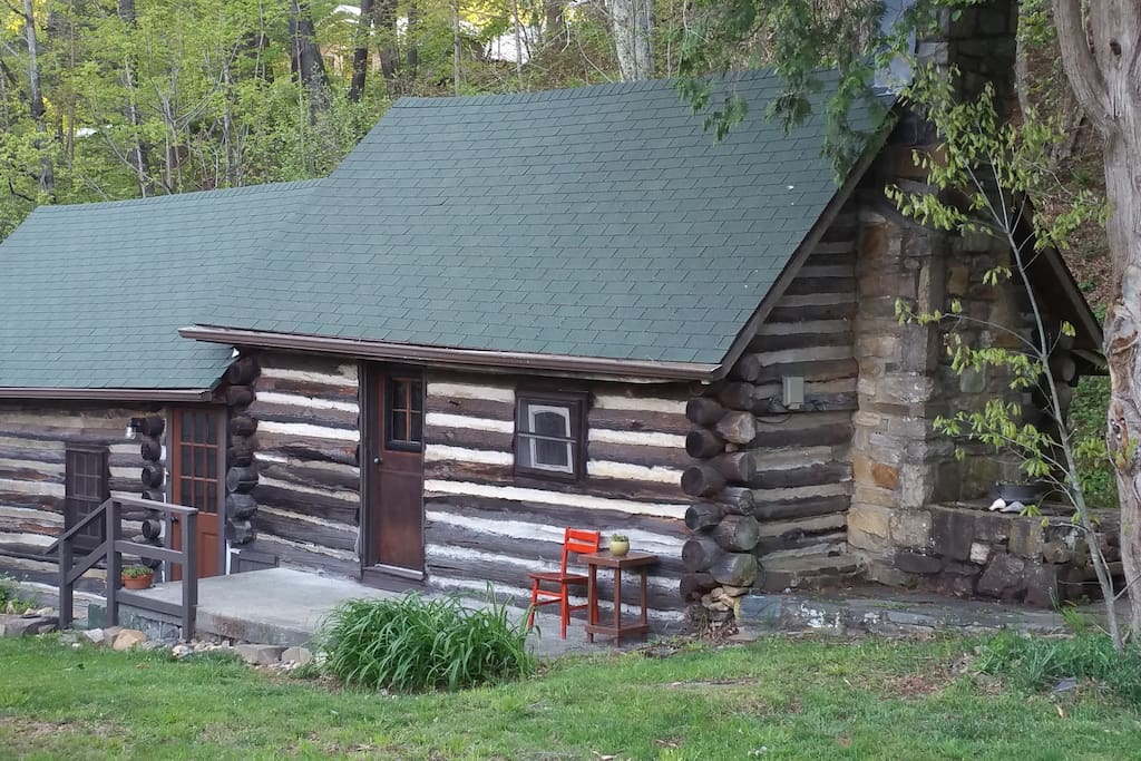 Creek Side Cabin Downtown Boone Cottages For Rent In Boone North Carolina United States