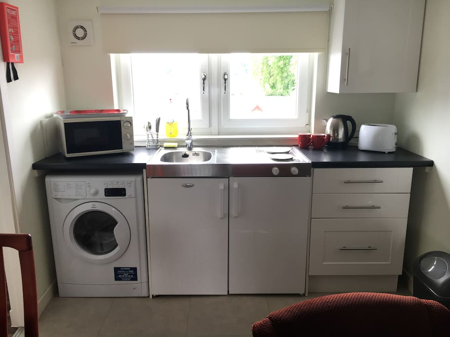 apartment 4 kitchen