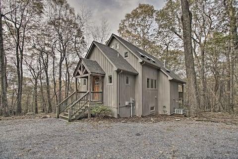 Wintergreen Cabin w/Private Hot Tub, Deck & Views!