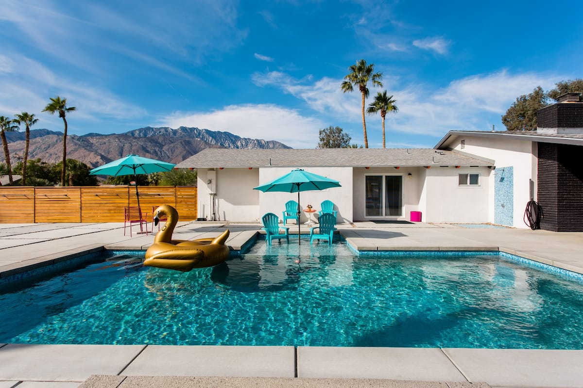 Chill Poolside Mid-century Pad with Hollywood Art
