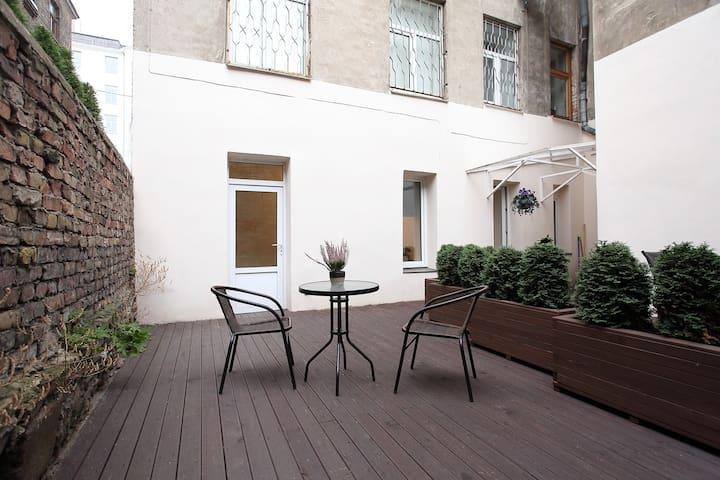 City Center Terrace Apartment