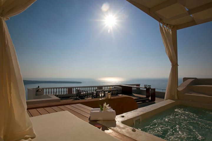 Luxurious 4BDR Villa With Sunset View- Oia Mansion