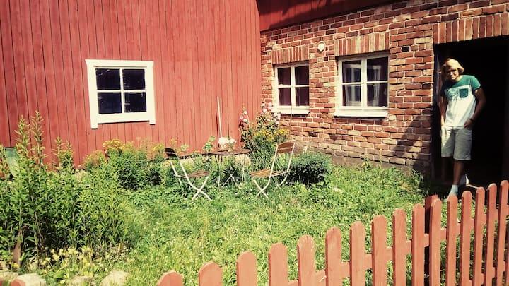 Maaseudunrauhaa - 5 henk. kämppä