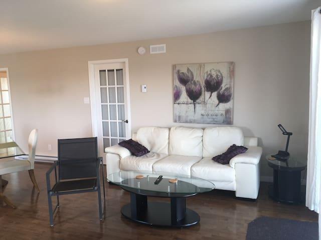 Chambre dans un condo 30x35 rdc et sous-sol